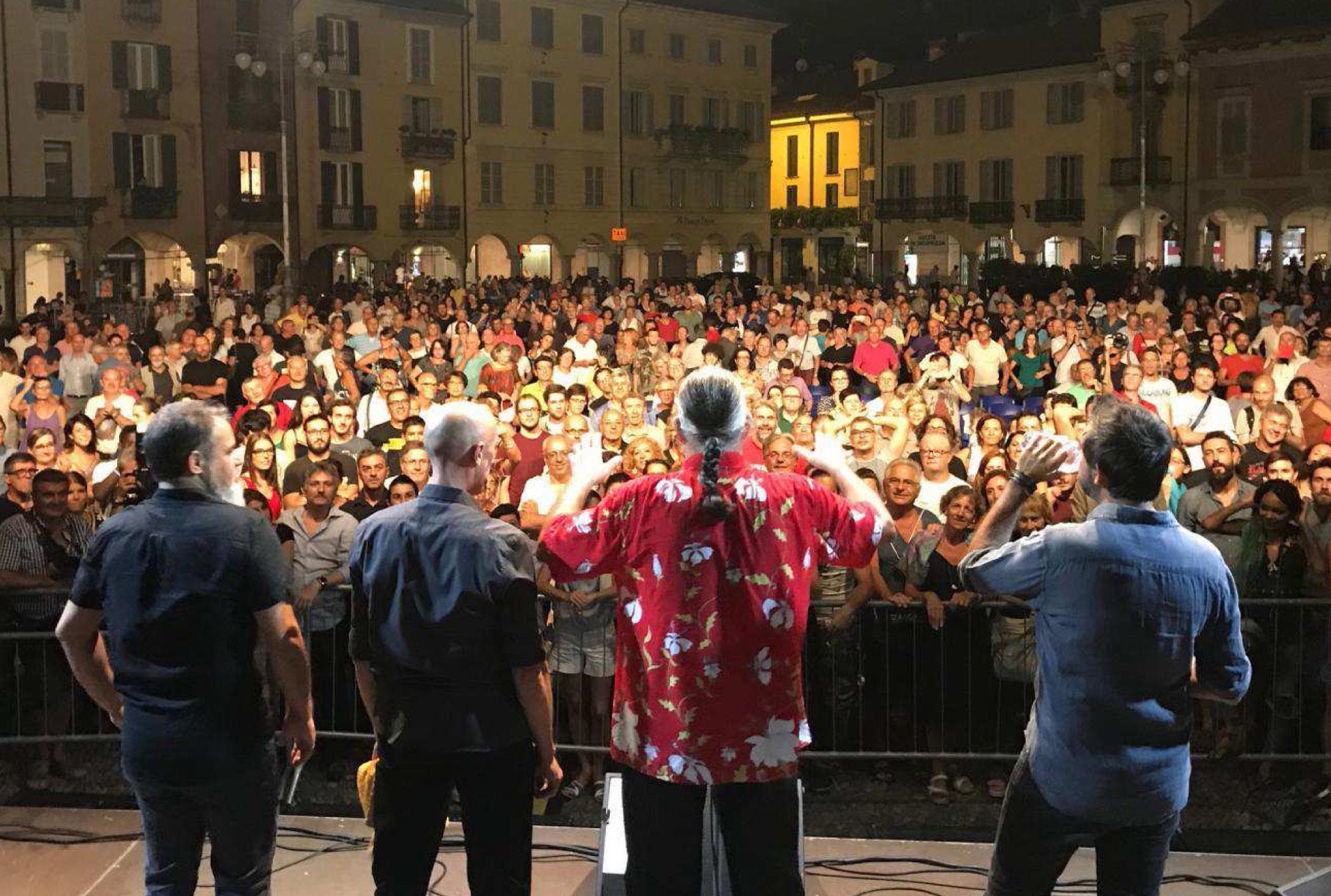 immagine di spettacolo in Piazza della Vittoria