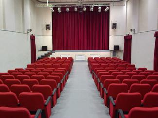 sala del teatro di postino