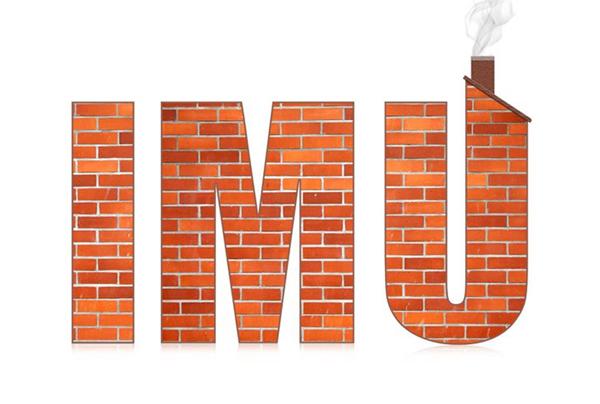 la scritta imu con mattoni