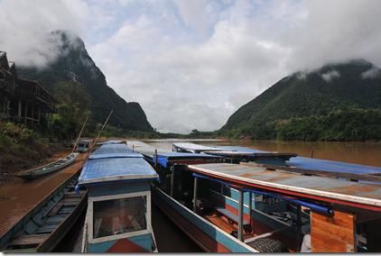 immagine Laos - fiume e imbarcazioni