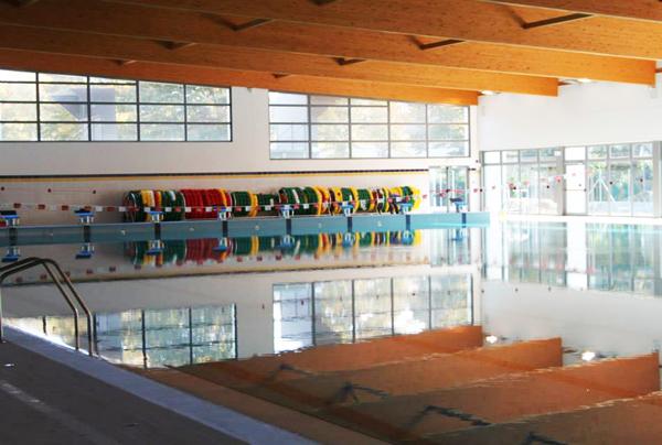 la piscina coperta Faustina