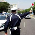 vigile nel traffico
