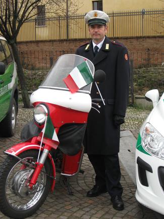il presidio della Polizia Locale: una motocicletta