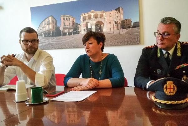 da sinistra: assessore tarchini, sindaco casanova, comandante germanà