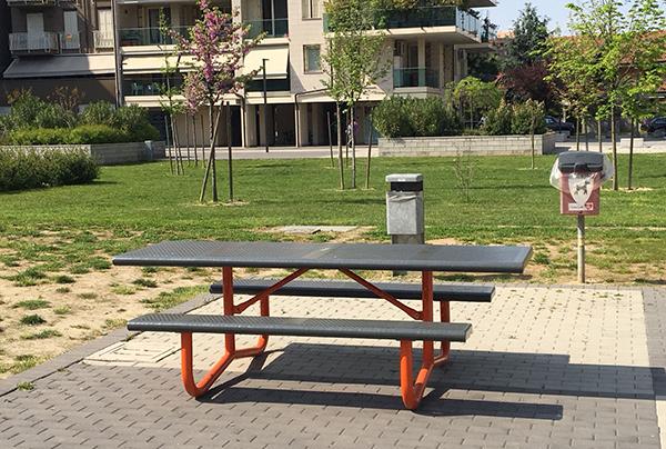 una nuova panchina in piazza albarola
