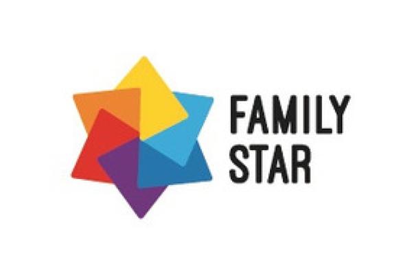 la scritta family star