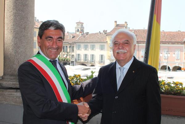 il commissario Savastano e il presidente della Banca di Credito Cooperativo Centropadana Bassanetti