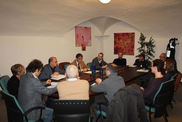 foto della riunione col commissario