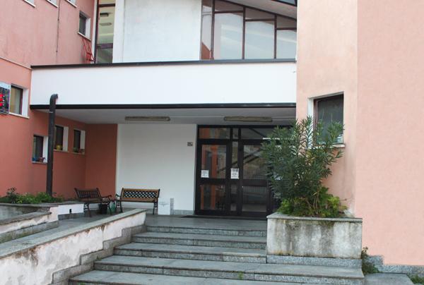ingresso della scuola pezzani