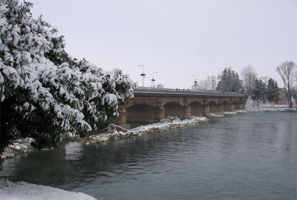 il ponte sull'Adda con la neve