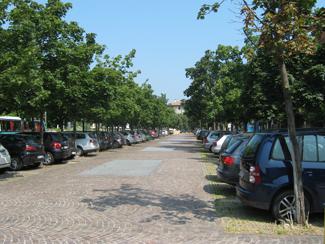Il parcheggio di via Polenghi Lombardo